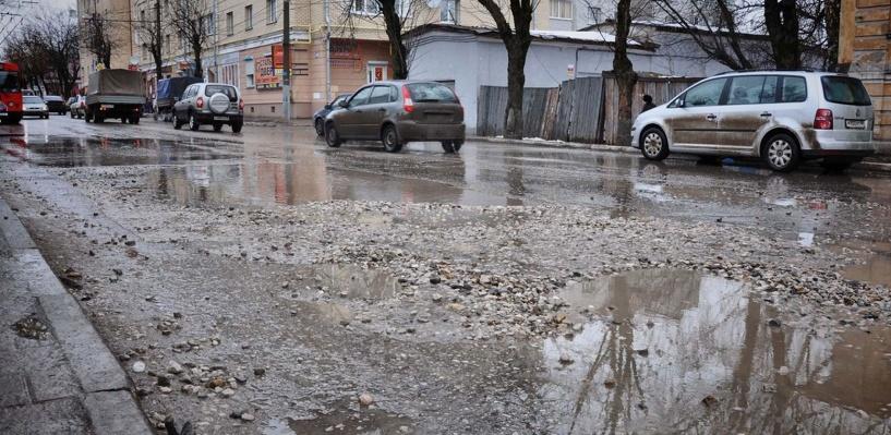 Омичи собираются устроить автопробег по разбитым дорогам