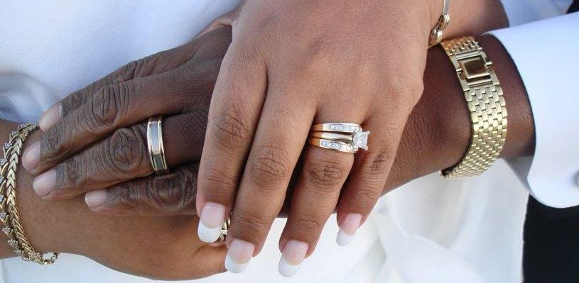 В 2015 году омички выходили замуж за итальянцев, китайцев и израильтян
