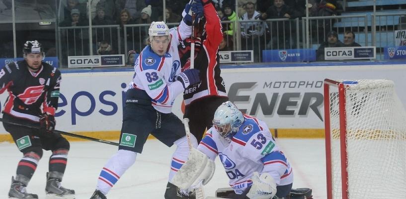 Омский «Авангард» одержал вторую сухую победу подряд
