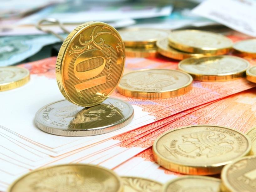 Курс валют: на открытии торгов рубль возобновил рост