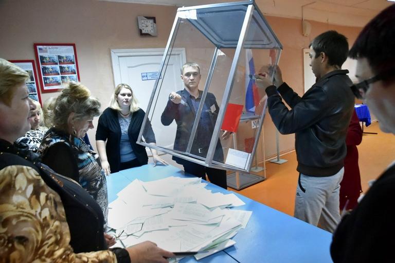 В тринадцати районах Омской области Виктора Назарова поддержали более 70% жителей