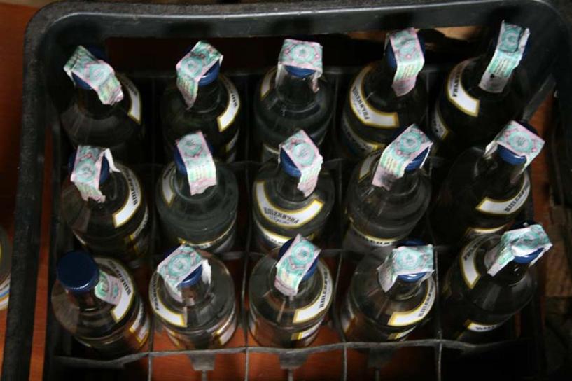 Омская прокуратура обнаружила свыше 10 тысяч коробок с нелегальным алкоголем
