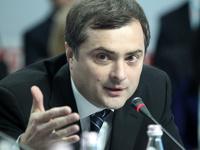 Сурков опроверг свое возвращение в Кремль по SMS