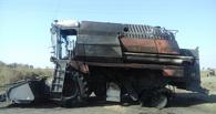 Войны в Генераловке: перед домом омских фермеров сожгли два комбайна