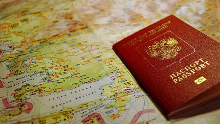 Омичи смогут оформлять загранпаспорта на своих рабочих местах
