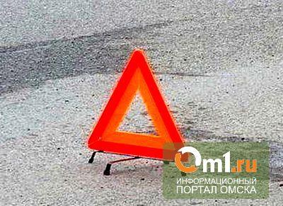 В Омске на улице Масленникова столкнулись три автомобиля
