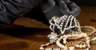 Плохой стартап: омич украл золото в одном ломбарде и сдал в другой