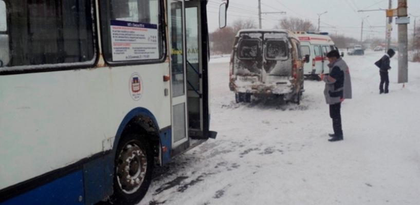 В Омске автобус врезался в пассажирскую «Газель»