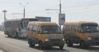 «Попилили графики»: водителей разделили на две смены, чтобы отвезти омичей