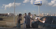 В Омске двое водителей подрались на парковке у «МЕГИ» (ВИДЕО)