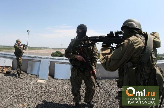 Над аэропортом Донецка идет воздушный бой