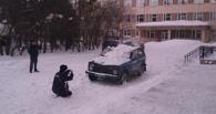 В Омской области за рухнувший снег, повредивший полицейскую машину, наказали больницу