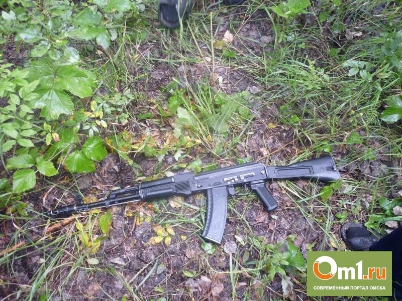В Омской области подросток вытащил из школы винтовки и автомат