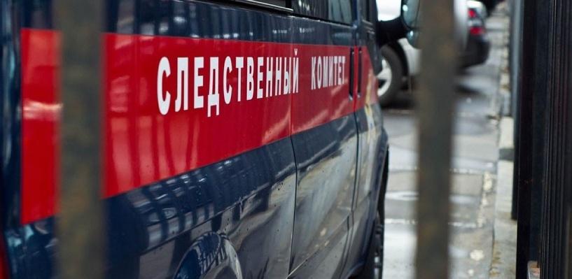 В Омской области женщина до смерти забила соседа лопатой из-за 100 рублей