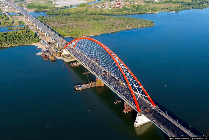 Между Омском и Новосибирском построили мост с огромным арочным пролетом
