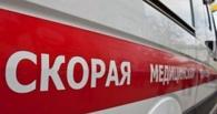 В Омске во дворе жилого дома сбили женщину с ребенком