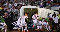Первый в истории матч между Сербией и Албанией сорвался из-за драки фанатов и игроков