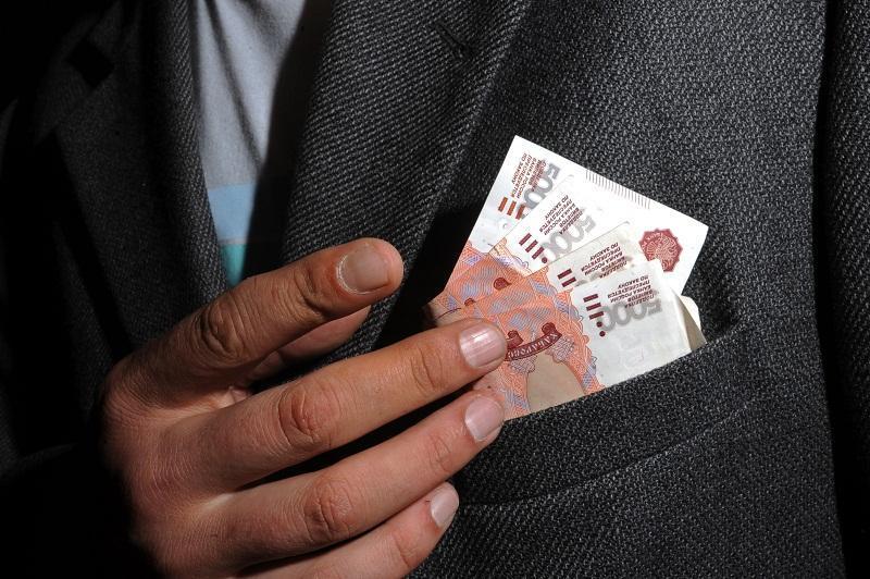 В Омске будут судить преподавателя-взяточника из ОмГУПС
