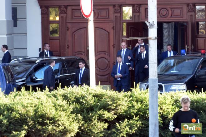 Топ-5 событий недели: Медведев на омских дорогах, громкие аресты и освобождения