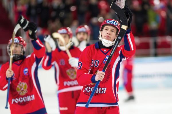 Сборная России по хоккею с мячом стала девятикратным чемпионом мира