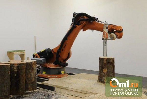 В Германии представили робота с бензопилой