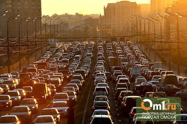 Яндекс: в Омске серьезные пробки собираются на трех мостах