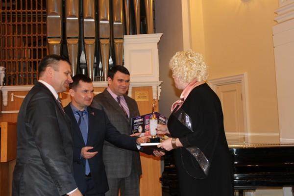 В Омске наградили победительниц проекта партии «Единая Россия»