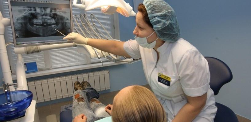 «КосмоСтом» в Омске поможет решить любую проблему со здоровьем зубов