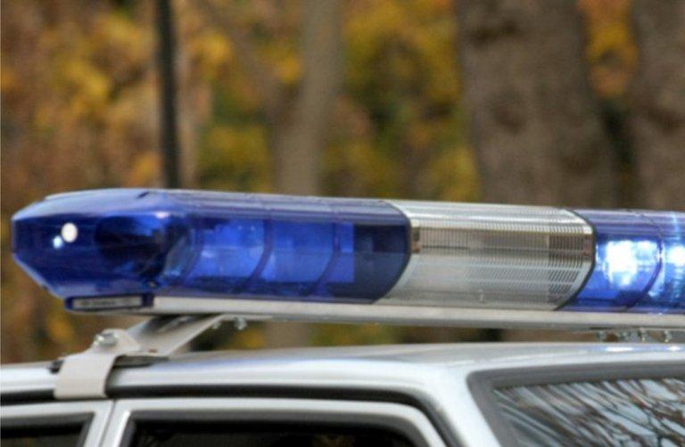 В центре Омска сбили женщину, которая с ножом бросалась на машины