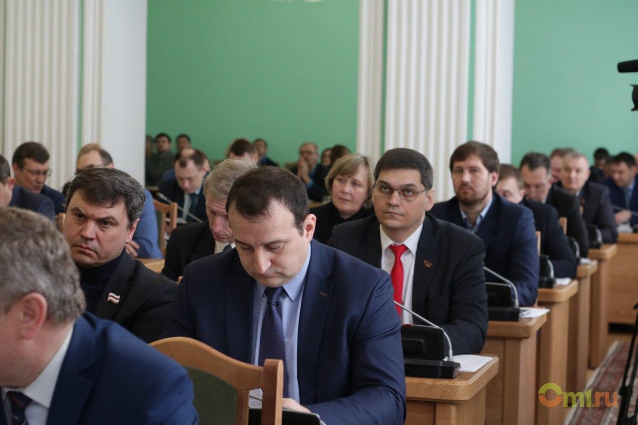 Коммунист желает пожаловаться наспикера горсовета Омска вгенпрокуратуру