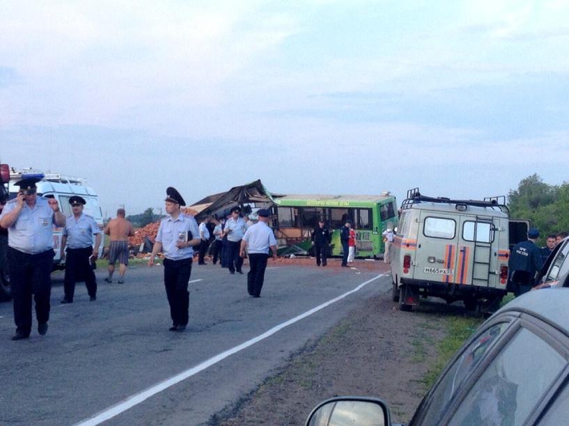 ДТП на Сыропятском тракте Омска: версии, фото, видео
