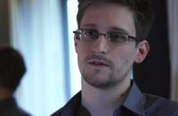 Адвокат Кучерена: за отцом Сноудена следят