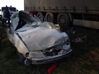 """В ДТП на трассе """"Тюмень-Омск"""" погибли двое взрослых и 5-летняя девочка"""