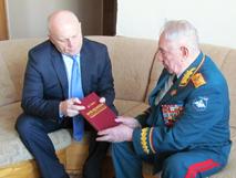 Маршал Дмитрий Язов получил поздравления от Назарова