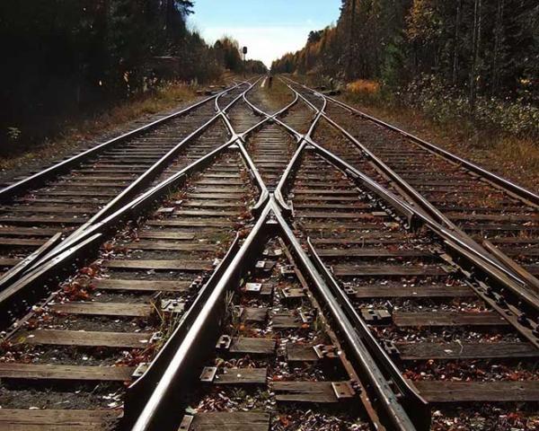 Омские бизнесмены могли пустить поезда под откос
