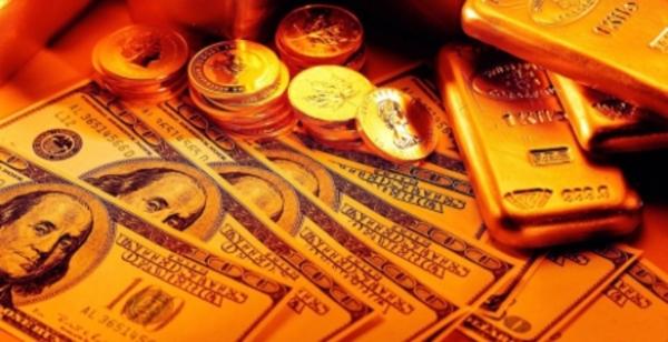 Подросток из Новосибирска украл у омича доллары и золото