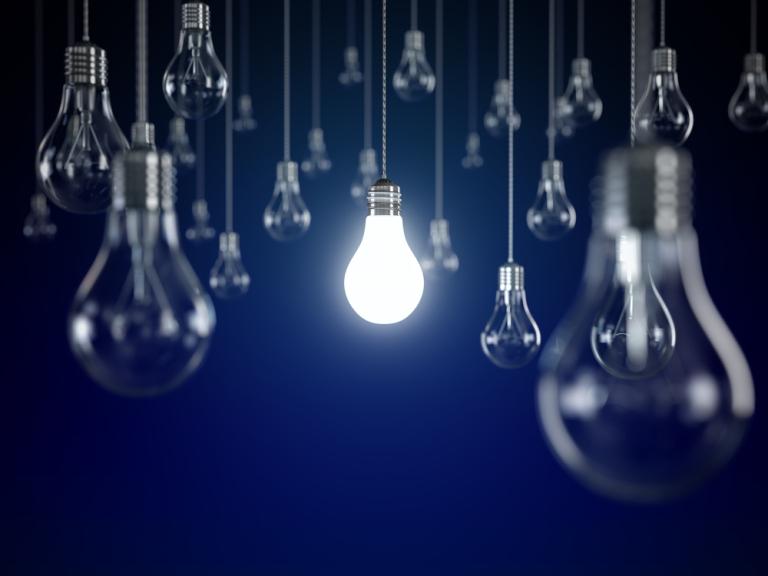 Новые тарифы на электричество установила РЭК для омичей