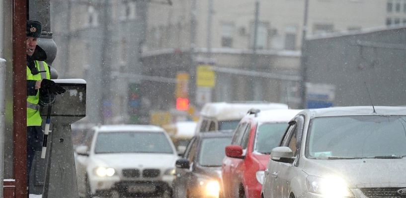 Пробки в Омске: ДТП на улице 70 лет Октября и неработающий светофор на Герцена