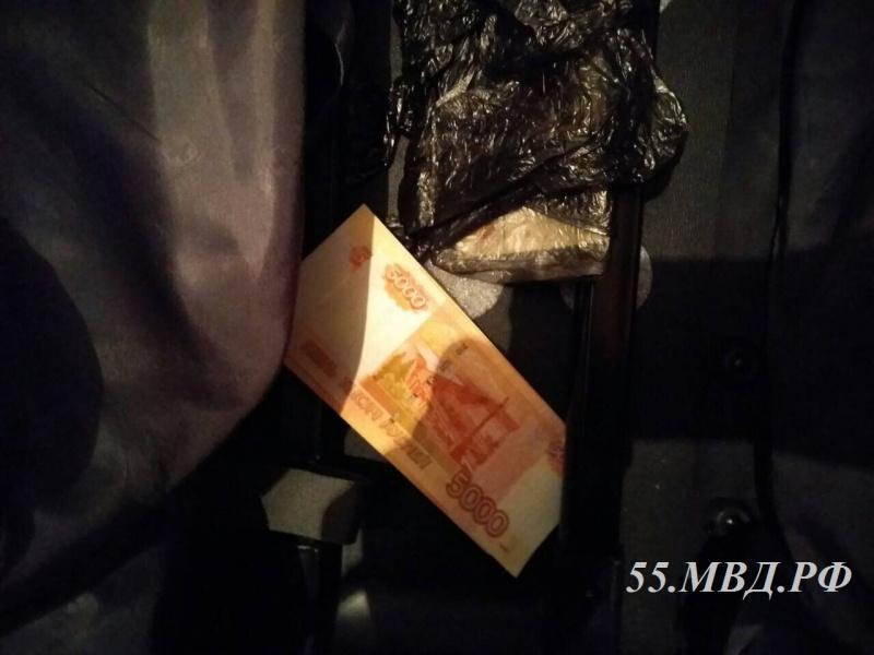 Клиенты  оплатили  омичу за«Опель» фальшивыми деньгами
