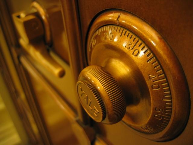 В Омске сотрудница банка украла четыре миллиона рублей