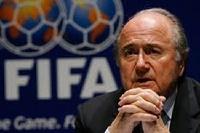 Президент ФИФА хочет дисквалифицировать команды за расизм