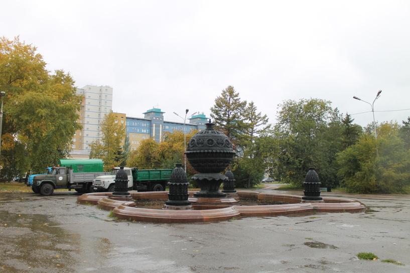 Дорожники приступили к реконструкции сквера напротив ОмГУПСа