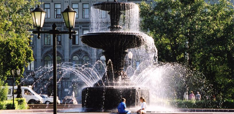 Водный залп в честь Дня Победы
