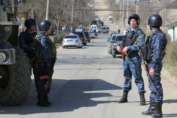 Один из подозреваемых по делу об убийстве Немцова подорвал себя гранатой при задержании