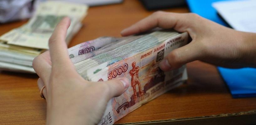 Омского бизнесмена будут судить за задержку зарплаты работникам