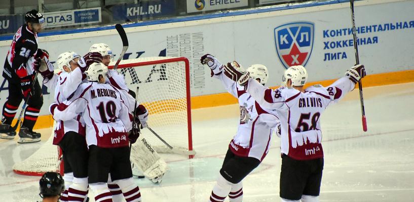 Омский «Авангард» проиграл рижскому «Динамо» в серии буллитов