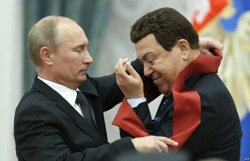 «Внимательный президент»: Путин помог Кобзону получить медицинскую визу в ЕС