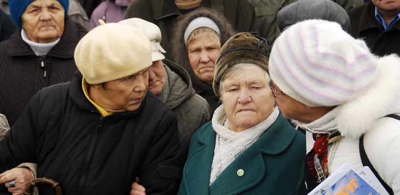 Омские власти: средняя сумма пенсии в регионе составляет больше 10 000 рублей