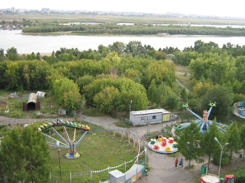 В Омске завершена реконструкция пешеходной зоны у входа на «Зеленый остров»