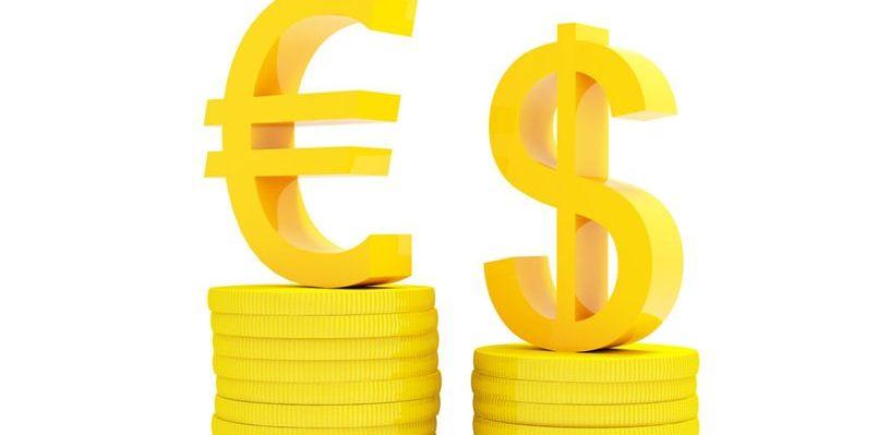 Курс валют: евро опустился ниже 90 рублей, доллар — меньше 80 рублей